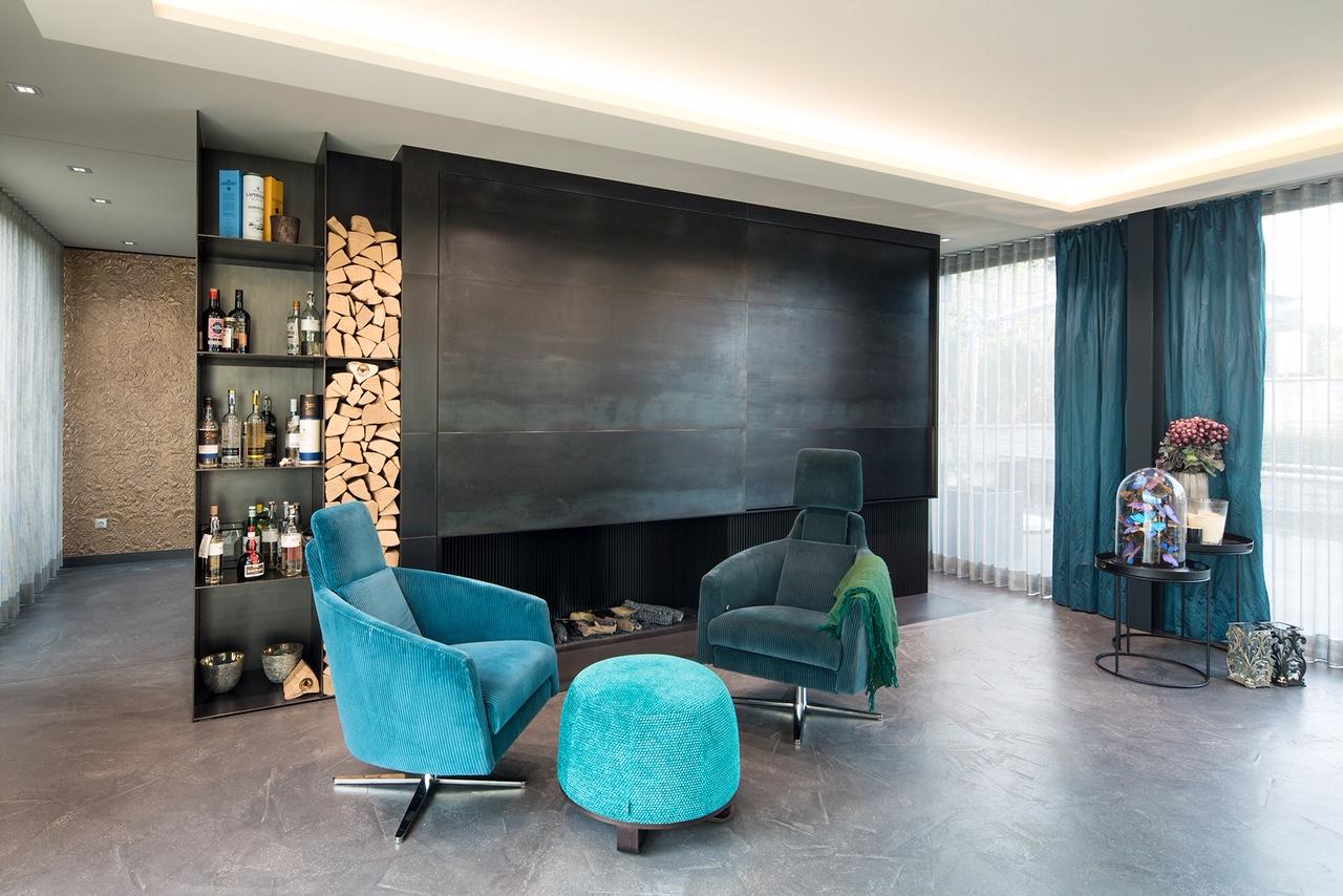 Wohnzimmer mit Technikschrank - Syring